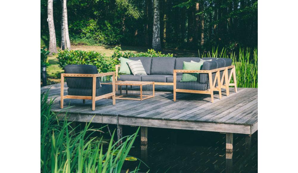La Croix | Loungebank | Applebee | 3 zits | Leuning links |Teakhout