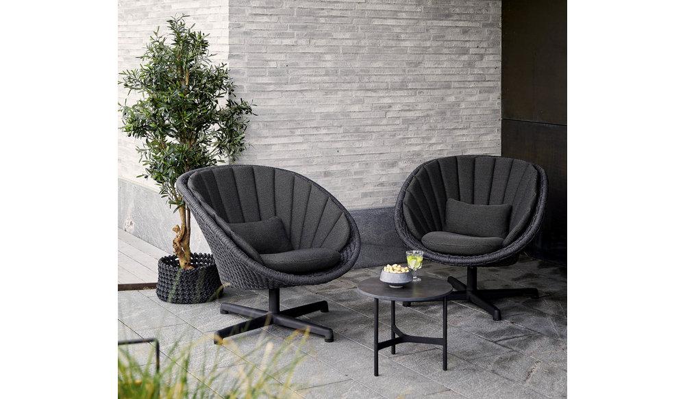 Peacock loungestoel   aluminium poten