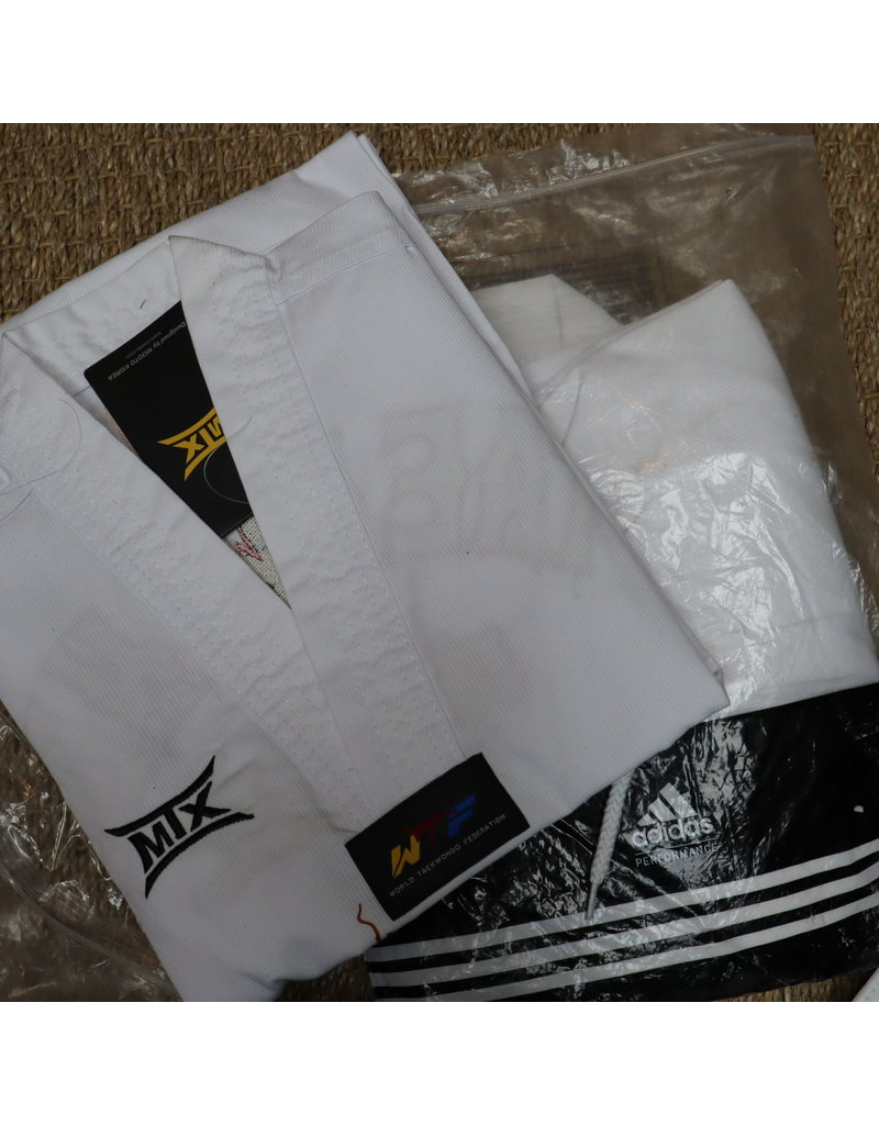 Taekwondo Dobok size 000/120