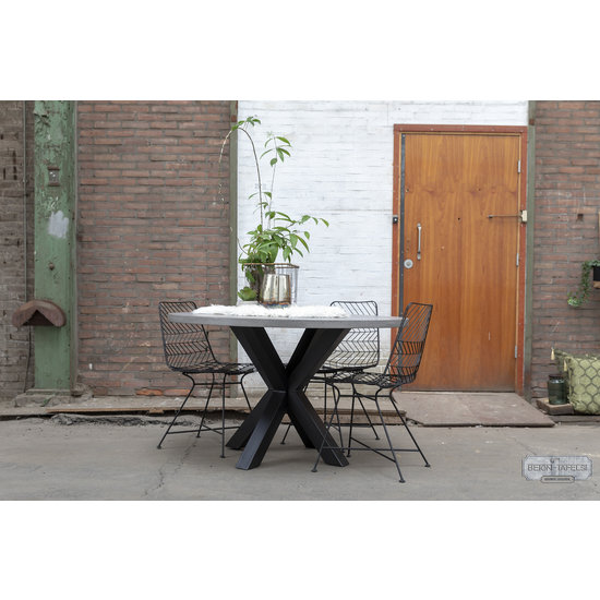 Beton-tafels.com Ronde betonnen tafel met stalen dubbele kruis  poot