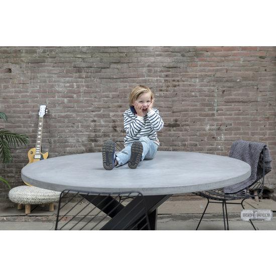 Beton-tafels.com Ronde betonnen tafel met zware circle twist poot