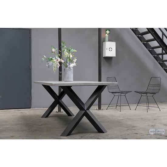 Beton-tafels.com Betonnen tafel met stalen Diamond X kruispoten