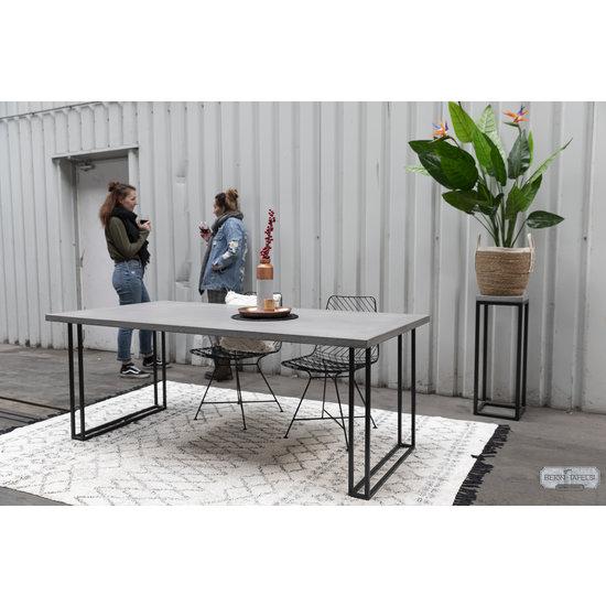 Beton-tafels.com Betonnen tafel met stalen Twin U tafelpoten
