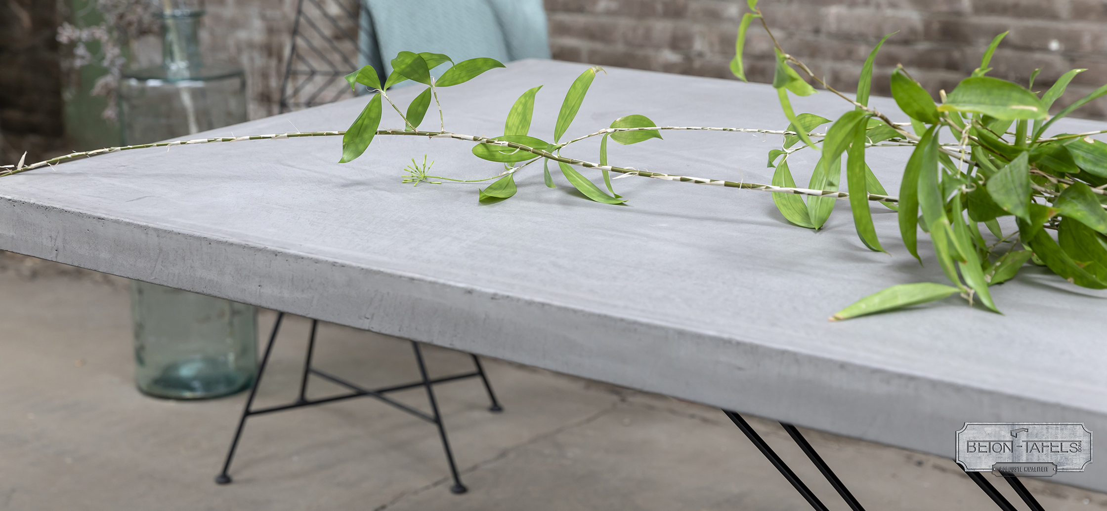 Beton Tafel Buiten : Betonnen tafel buiten nieuw granieten tuintafel met stenen