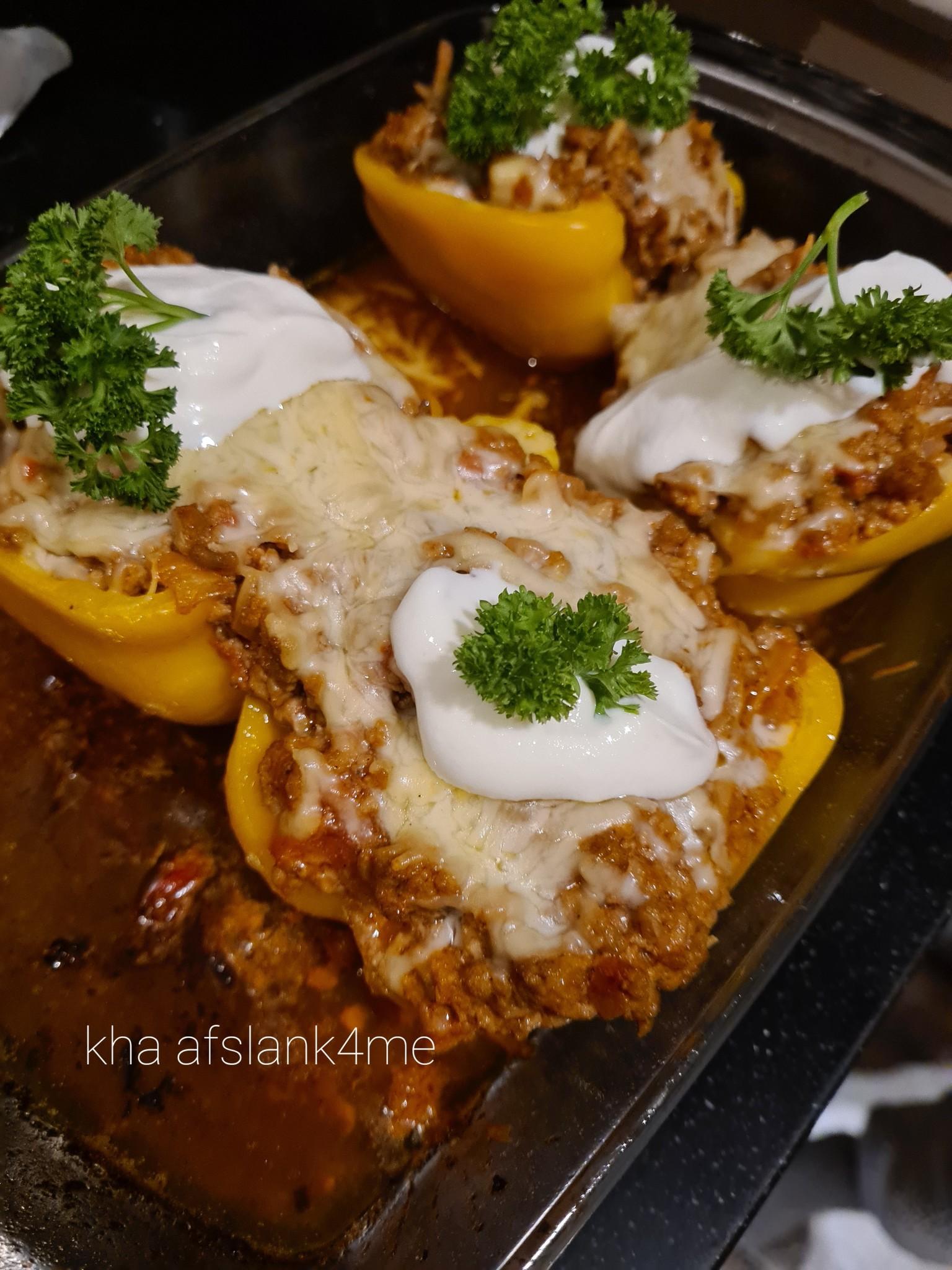 Gevulde Paprika's met gehakt en kaas