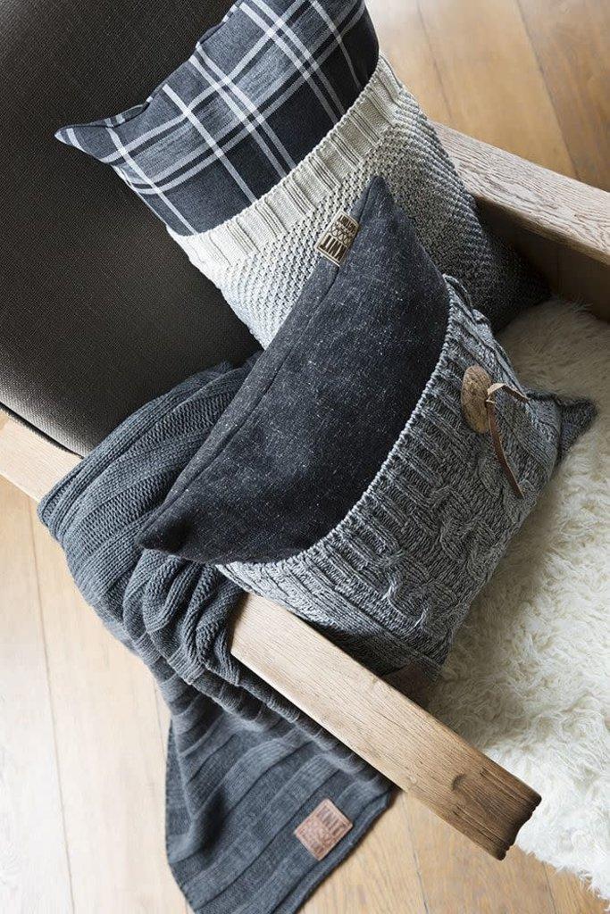 Knit Factory Knit Factory Lois Kussen 60x40 Ruit Zwart