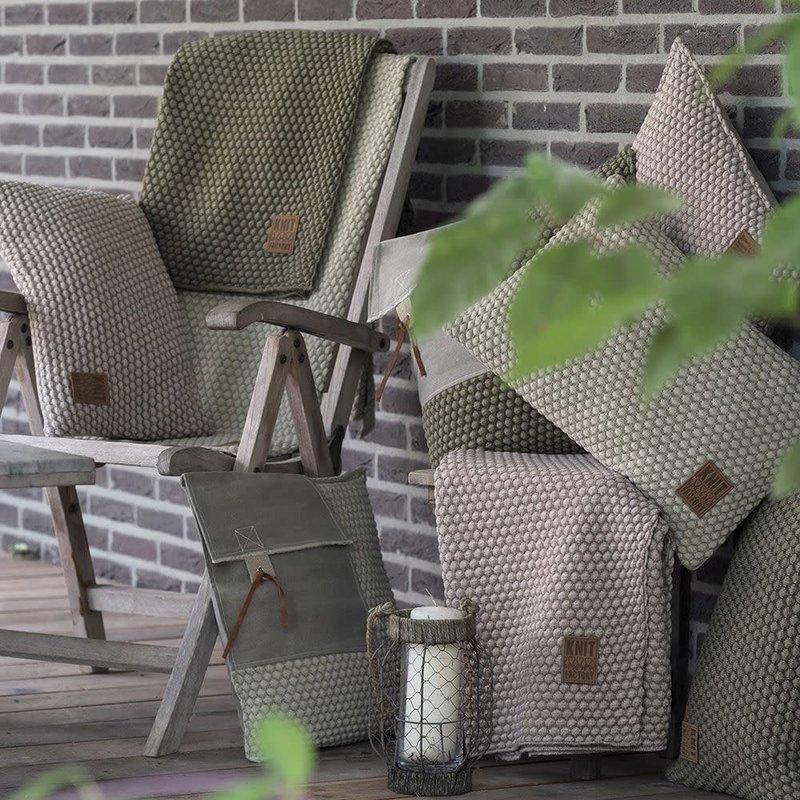 Knit Factory Knit Factory Juul Kissen 50x50 Grün/Oliv
