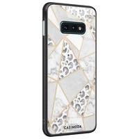 Casimoda Samsung Galaxy S10e glazen hardcase - Stone & leopard