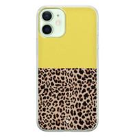 Casimoda iPhone 12 mini siliconen hoesjje - Luipaard geel