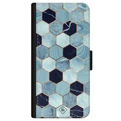 Casimoda iPhone 12 flipcase - Marmer blauw kubussen