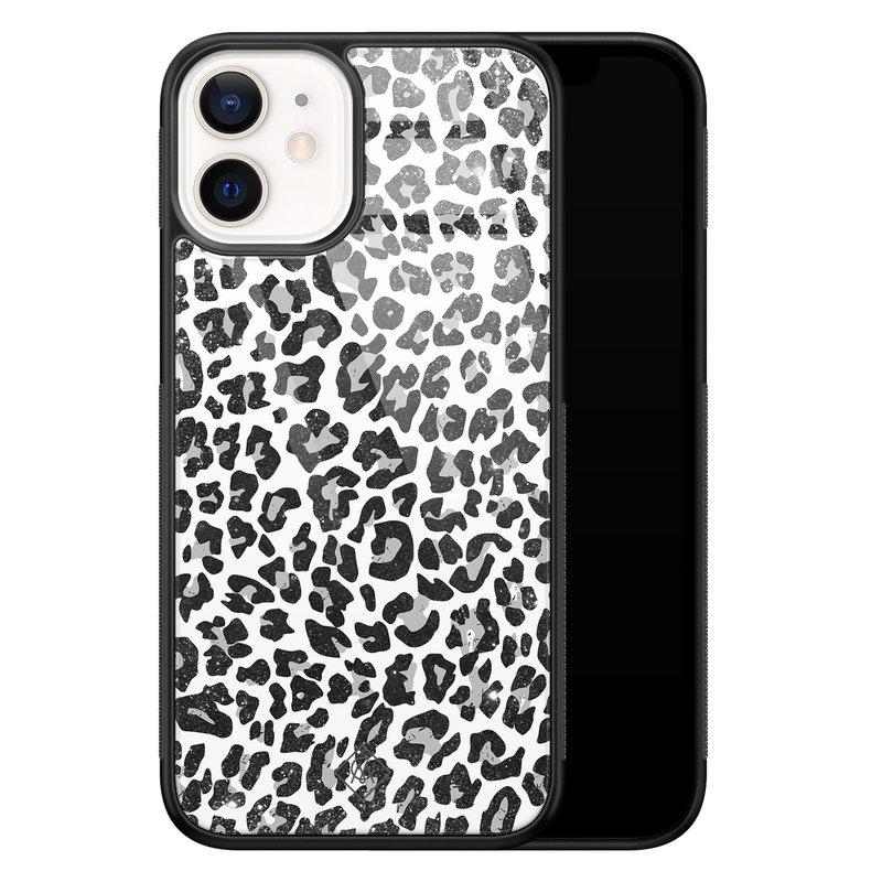 Casimoda iPhone 12 mini glazen hardcase - Luipaard grijs