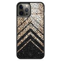 Casimoda iPhone 12 Pro Max glazen hardcase - Chevron luipaard