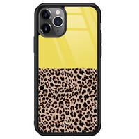 Casimoda iPhone 11 Pro Max glazen hardcase - Luipaard geel