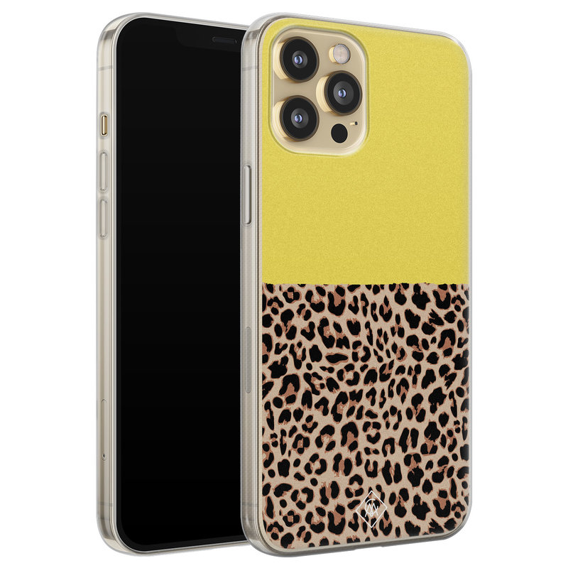 Casimoda iPhone 12 Pro siliconen hoesjje - Luipaard geel
