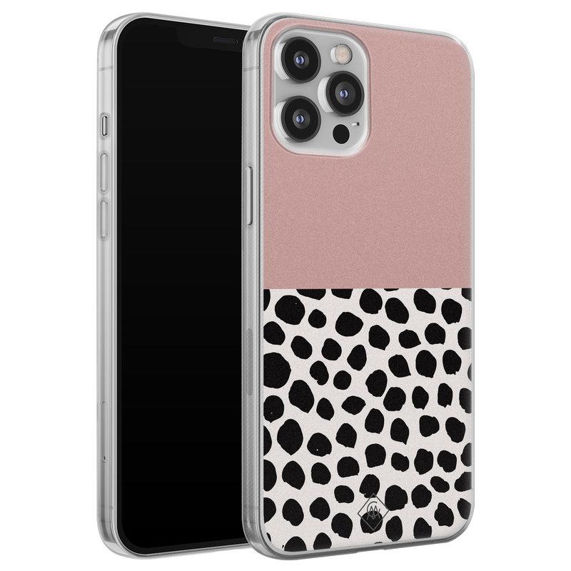 Casimoda iPhone 12 Pro Max siliconen hoesje - Pink dots