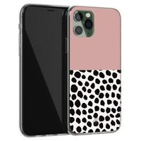 Casimoda iPhone 11 Pro siliconen hoesje - Pink dots