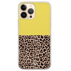 Casimoda iPhone 13 Pro Max siliconen hoesje - Luipaard geel