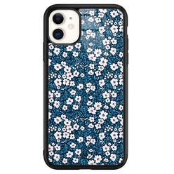 Casimoda iPhone 11 glazen hardcase - Bloemen blauw