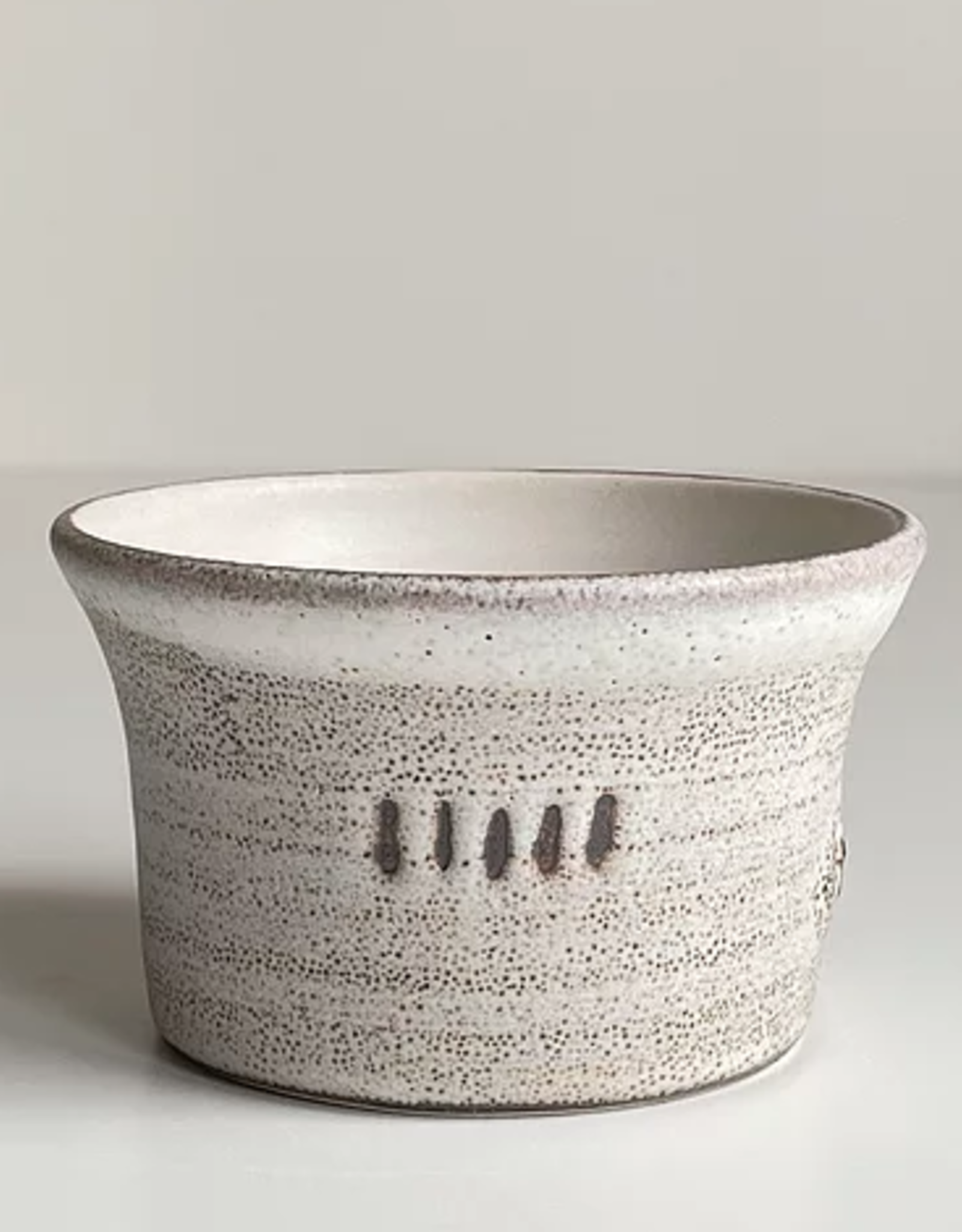 Magda Bethani MBC/BSWL Small bowl white with lines