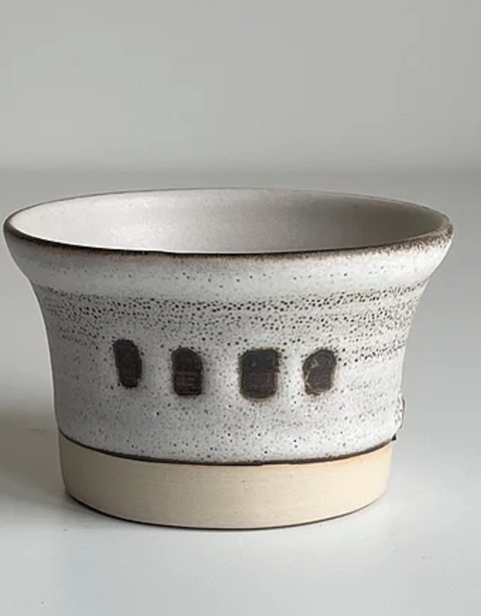 Magda Bethani MBC/BSWD Small bowl white with dots