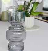 Grijze glazen vaas van Present Time