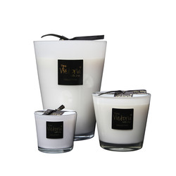 Victoria with Love Glossy White Medium Scented Candle