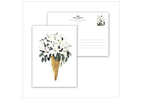 Leo La Douce White Flower Cone