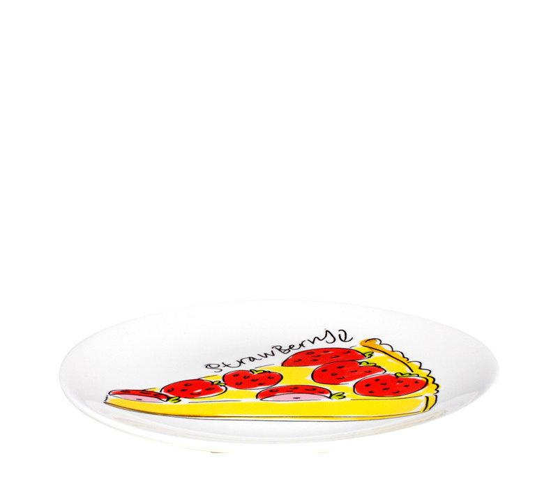 Cake plate strawberry cake