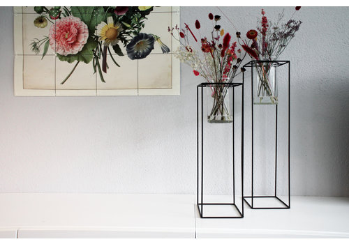 Housevitamin Standing Vase in Metal Standard Black M