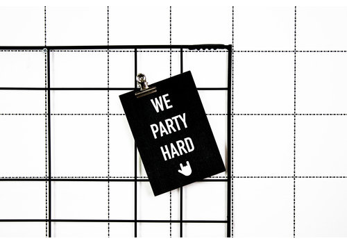 Housevitamin Postcard: We Party Hard