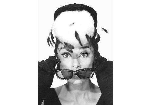 OPK Poster Audrey Hepburn met verenhoed A3