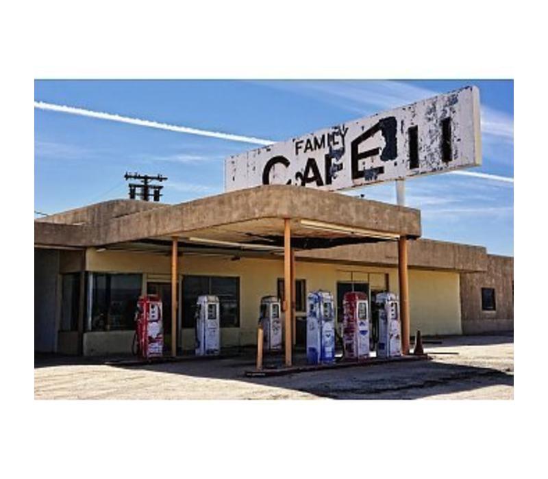 Desert cafe - Verlaten tankstation