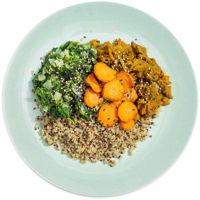 Lamsstoof met quinoa, spinazie en abrikoos