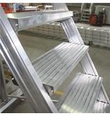 Bordestrap onder hoek 60° met 4 wielen - tredebreedte 60 cm 6 treden + bordes