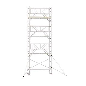 8.20m werkhoogte x 75cm breedte x 190cm platformlengte