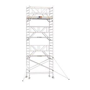 8.20m werkhoogte x 135cm breedte x 190cm platformlengte