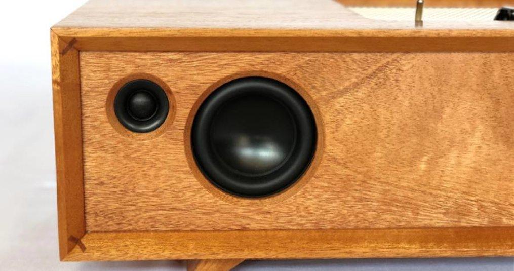 The Moderno Minitube Speaker