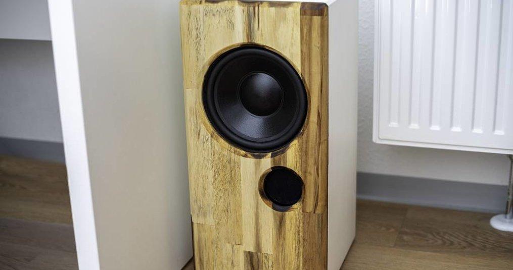 Wohnzimmer Subwoofer mit Dayton Audio