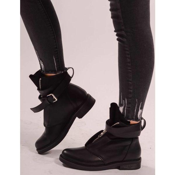 Boots zipper up