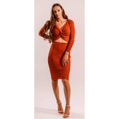 Two piece set brick-red knot up
