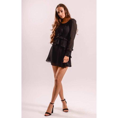 Dress ruffled in black