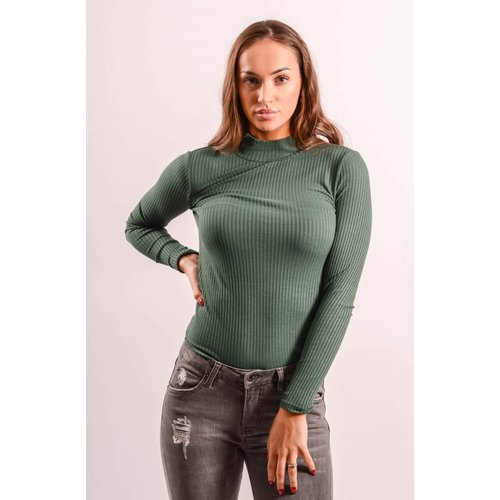 Top turtle neck green