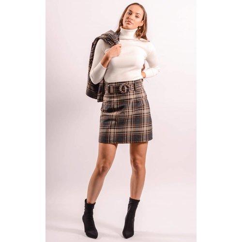 Skirt belt checkered
