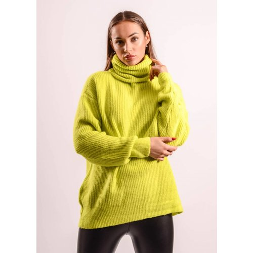 Oversized sweater neon green