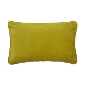 Bungalow velvet Olive Light cushion
