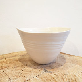 PTZE Porcelain studio Leaf bowl