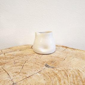 PTZE Porcelain studio Melkkannetje
