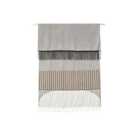 Form & Refine Aymara plaid grijs met een patroon