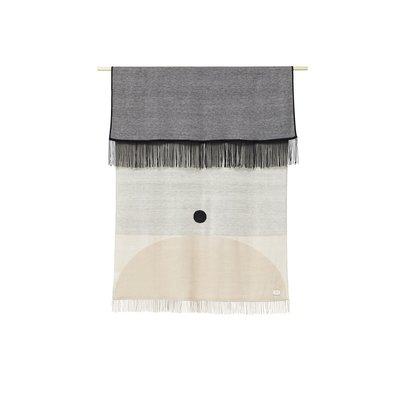 Form & Refine Aymara plaid beige met een patroon