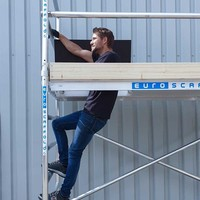 Euroscaffold Basis rolsteiger 90 x 250 x 4,2m werkhoogte met lichtgewicht platform